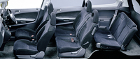 【スペック】 ホンダ・ストリームiS(5AT):全長×全幅×全高=4550×1695×1590mm/ホイールベース=2720mm/車重=1420kg/駆動方式=FF/2リッター直4DOHC16バルブ(154ps/6500rpm、19.0kgm/4000rpm)/車両本体価格=209.8万円