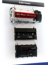 アルファ・ロメオ、フォード、そしてVW用と思しきカムカバーを仲良く並べた部品メーカー。このショーならではの光景である。