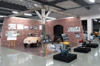 座学が行われた技術資料館の展示の様子。機械遺産に登録された「スバル360」や、「EA」「EJ」「FB」という3世代の水平対向エンジンなどが飾られていた。