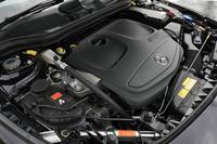 2リッター直4ターボエンジン。JC08モードの燃費値は、13.4km/リッター。