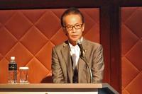 説明会に臨む、トヨタ自動車の友山茂樹専務役員。