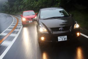 トヨタ・ブレイドマスターG(FF/6AT) vs マツダ・スピードアクセラ(FF/6MT)【短評(前編)】