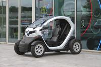 ルノーが開発したコンパクトEV「トゥイジー」。2010年9月のパリモーターショーでデビューした。
