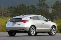 メーカー公表の燃費値は、市街地で6.77km/リッター、高速道路で9.32km/リッター。