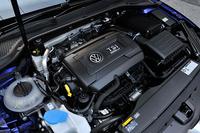 2リッター直4ターボのTSIエンジンは280psと38.7kgmを発生する。