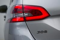 新型「308」は、フランス国内のほか、中国でも(中国国内向けに)生産される。日本に導入されるのは前者、フランス生産モデルとなる。