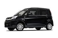 「スバル・ステラ」に黒内装の特別仕様車