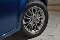 タイヤサイズは「プント エヴォ ダイナミック」と同じ185/65R15。試乗車はコンチ エココンタクト3を装着。