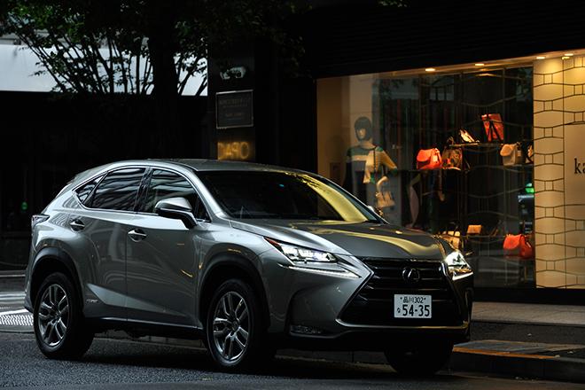"""レクサスNX300h""""バージョンL""""(4WD/CVT)【試乗記】"""