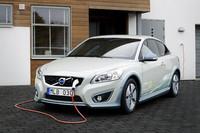 ボルボ、「C30」の電気自動車を発表【デトロイトショー2010】の画像