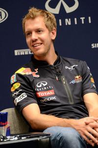 F1王者ベッテルのトークショーにファン殺到【F1 2011】の画像