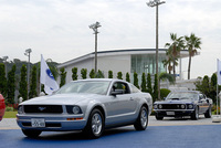 フォード・マスタングV8 GTコンバーチブル プレミアム(FR/5AT)/クーペ プレミアム(FR/5AT)【試乗速報】の画像