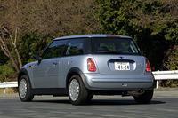 【スペック】MINI One(5MT):全長×全幅×全高=3625×1690×1425mm/ホイールベース=2465mm/車重=1130kg/駆動方式=FF/1.6リッター直4SOHC16バルブ(90ps/5500rpm、14.3kgm/3000rpm)/車両本体価格=195.0万円