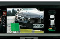 リアビューカメラを含む「パーキングサポートパッケージ」が標準装備となる。