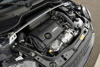 1.6リッター直4ターボエンジンは218psと26.5mkgを発生。オーバーブースト時には最大トルクは28.6mkg/2000-5100rpmまで強化される。