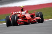 前戦オーストラリアからエンジンに不安を抱えいたライコネンのフェラーリ。結局何事もなく3位でゴールできたのだが、初戦の圧倒的なスピードは見られず。しかし終盤2位ハミルトンへのチャージはさすがだった。(写真=Ferrari)