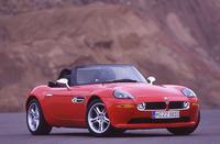 【スペック】 BMW Z8:全長×全幅×全高=4400×1830×1315mm/ホイールベース=2505mm/車重=1610kg/駆動方式=FR/5リッターV8DOHC32バルブ(400ps/6600rpm、51.0kgm/3800rpm)/車両本体価格=1650.0万円
