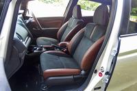 「15XL Honda SENSING」と「ハイブリッドL Honda SENSING」には、ブラックとブラウンのコンビシートなどからなる「プレミアムブラウン・インテリア」がオプションで用意される。