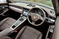試乗車のインテリアカラーは「エスプレッソ」。オプションの「マルチファンクションステアリングホイール」が装着されている。