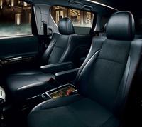 トヨタの最上級ミニバンに「ゴールド」の特別車の画像