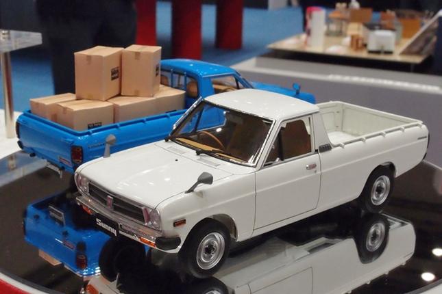 今回、モデルカー最大の話題がハセガワの新作である、通称サニトラこと1/24「日産サニー・トラック ロングボデー・デラックス」。中期型(1984年)のロングボディーをモデル化したもので、プロポーションは文句なし。発売は11月で、価格は3200円(以下、価格表示はすべて税抜き)。