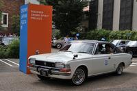 「トヨペット・クラウン ハードトップSL」。「白いクラウン」のキャッチフレーズでヒットした3代目に、初めて追加された2ドアハードトップ。1968年当時の最高級パーソナルカー。東京トヨペットの車両。