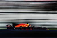 レッドブルのマックス・フェルスタッペン(写真)は予選7位、決勝ではトップから1分遅れの5位。フェラーリ、メルセデスとの差は歴然としたものがあった。チームメイトのダニエル・リカルドはブレーキトラブルでリタイアしている。(Photo=Red Bull Racing)