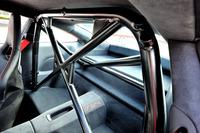 乗車定員は2人。「GT3」と同様に後席は用意されない。ただし「GT3 RS」には「クラブスポーツパッケージ」が標準で備わり、ボルト固定式のリアロールケージなどが装着されている。