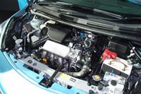 新型「ノート」の技術的な見どころのひとつ、スーパーチャージャー付きの1.2リッター直3「HR12DDR」ユニット。