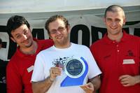 コンクールの表彰式。右がオーガナイザーの大学生、マッテオ君。