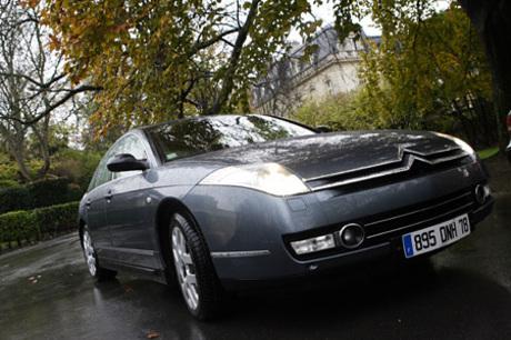 シトロエンC6 3.0i V6(FF/6AT)2005年のジュネーブショーでデビューしたシトロエンのフラッグシップ「C6」...