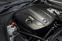搭載される2リッター直4DOHC16バルブ ディーゼルターボエンジンは、184psと38.7kgmを発生する。