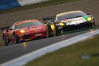 当日の観客を大いにわかせた、GT300クラスの3位争い。