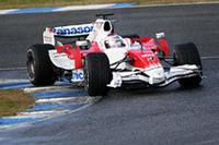 トヨタは「TF108」で新シーズンを戦う。昨年の失敗から、開発コンセプトを大幅に変更。開発凍結中のエンジンには定評があるのだが……。(写真=Toyota)
