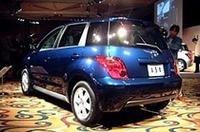 【Movie】トヨタの新型車、その名は「ist」