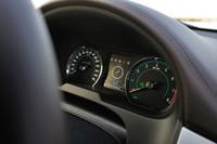 V6とV8モデルにはアイドリングストップ機構が新たに採用された。