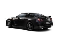 日産「GT-R」が足まわりや装備を変更