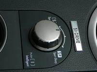 これが「SI-DRIVE」のセレクター。左に回して「S(スポーツ)」、右に回して「S♯(スポーツ♯)」、下に押して「I(インテリジェント)」。