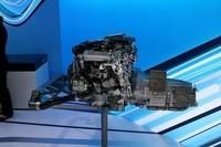 「S250 CDI」と聞くと非力なエンジンを想像するかもしれないが、なんと204psと51.0kgmを誇り、わずか1600rpmで最大トルクに達する。