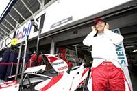 ドイツでGPデビューしたスーパーアグリの山本左近。フリー走行でマシンを壊してしまい、予選はTカー(旧型)で出走し21位通過。決勝では、修復された「SA06」でピットからスタートしたが、ペースがあがらず、ドライブシャフトのトラブルによりそのままリタイアした。(写真=Honda)