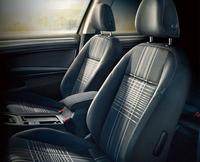 VW、装備充実のラウンジシリーズ発売の画像
