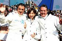 DPRディレクシブのシニア・エグゼクティブ・ディレクターに就任したアレジ(左)。中央は(株)ディレクシブの芳賀美里社長。同チームは、スーパーGT、F1へのステップアップカテゴリーのGP2に加え、フォーミュラ・ニッポンにも新たに参戦する。