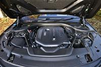 3リッター直6ターボエンジンは旧型比で6ps強化の326psを生み出す。最大トルクは変わらぬ45.9kgm。