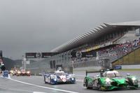 決勝日の富士スピードウェイは雨。6時間の耐久レースは、ウエットコンディションの中でスタートした。