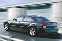 「クライスラー300C」、随所に小変更の08年モデルが登場の画像