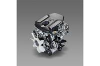 新開発の2.8リッター「1GD-FTV」型ディーゼルエンジン。177ps/3400rpmと45.9kgm/1600-2400rpmを発生する。