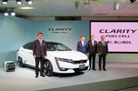 国内では、燃料電池車「ホンダ・クラリティ フューエルセル」のリース販売開始も話題となりました。