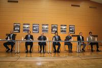 記者発表会にはラ・フェスタ・ミッレミリアを主催するフォルツァ代表の増田晴男氏(左端)ら7人が登壇した。