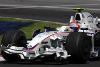 ポーランド人初のウィナーとなったクビサ。昨年の同GPでは大クラッシュ、1年後は一転しポディウムの頂点にのぼりつめた。(写真=BMW)