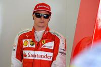 来季フェラーリに残留するためには結果を出さなければならないキミ・ライコネン。予選ではベッテルを上回る5番グリッドを得たものの、決勝では雨でウエットタイヤに履き替えるタイミングが早すぎ、もう1回余計にピットストップを行うことに。マシンのペースが遅かったとはいえ、8位フィニッシュという結果はさびしい。(Photo=Ferrari)